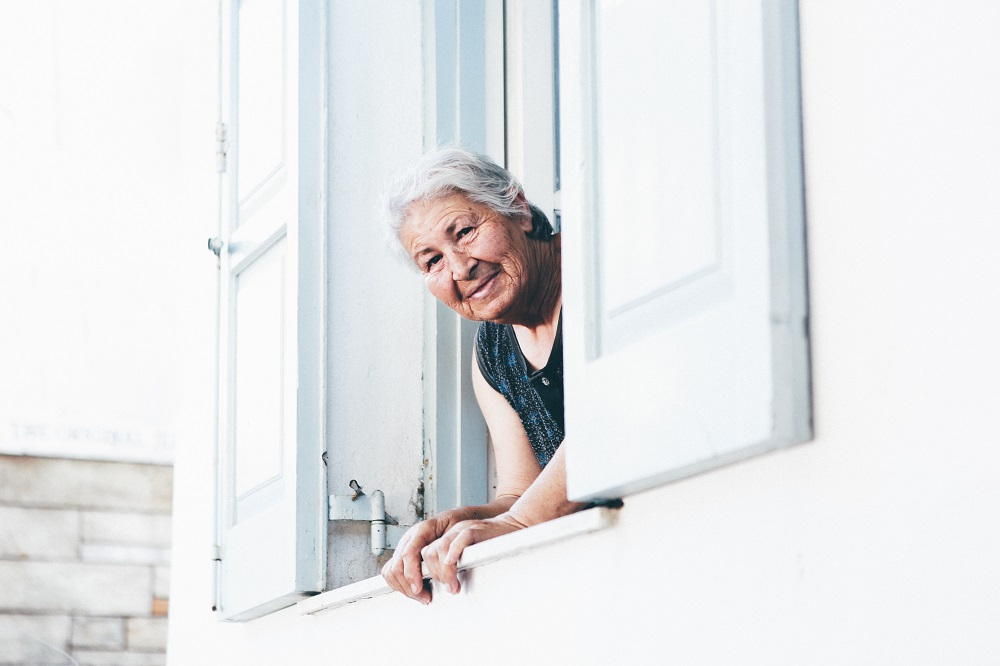 Supporting older and vulnerable people who live alone